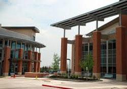 Round Rock Campus courtyard