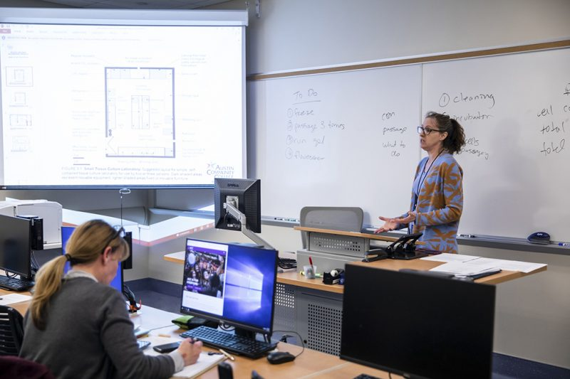 Biotechnology class taught by Assistant Professor Amy Leksana